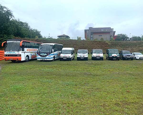 Flota de vehículos de transporte de Aipol Aventura